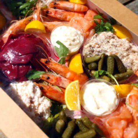 Grazing fish box